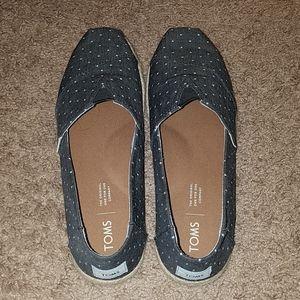 Tom's slip on polka dot shoes size 8.5